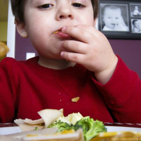 how to get toddlers to eat veg